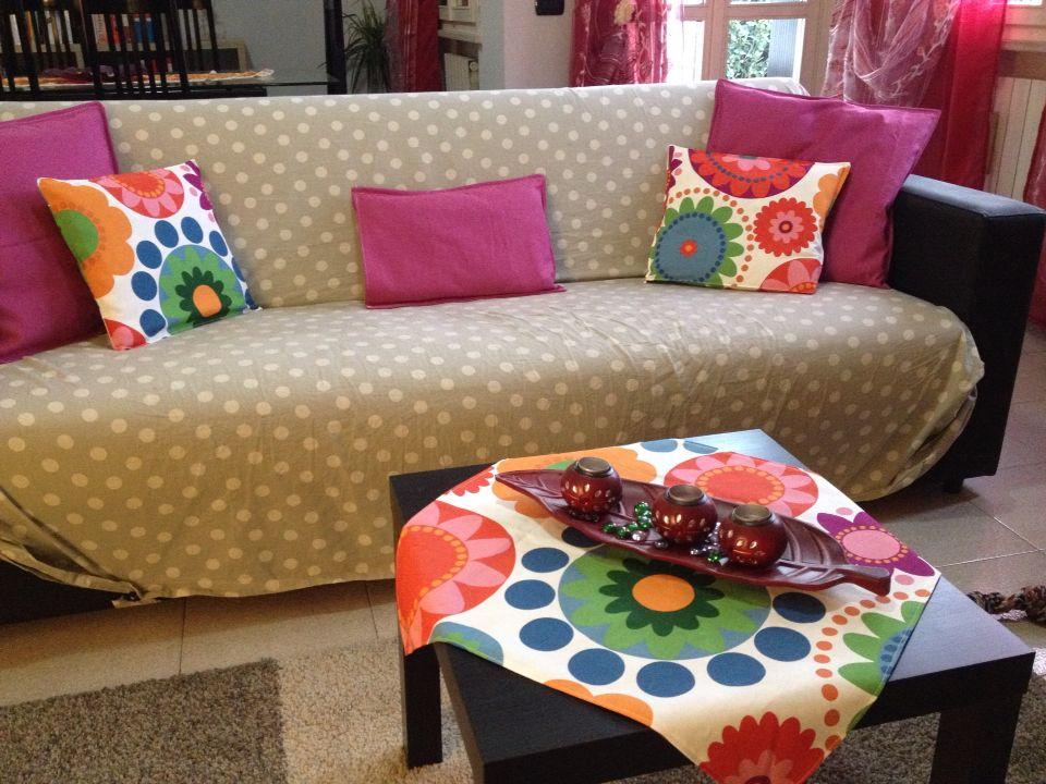Restyling salotto con tessuti Ikea, per rinnovare il salotto basta un semplice tocco di colore ;) per ordini invia mail a sereninaraja@gmail.com  For orders sereninaraja@gmail.com