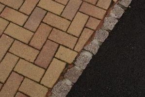 How to Build a Parking Pad With Pavers thumbnail