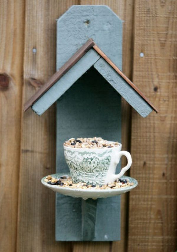 Futterhaus Teetasse Teller Im Garten