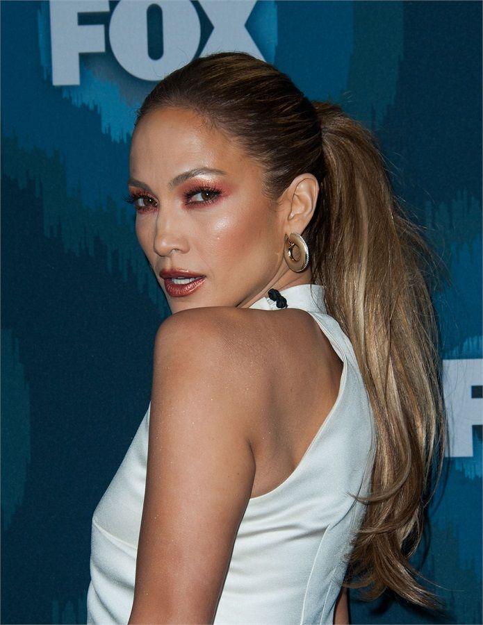 Jennifer Lopez and......Marsala http://gemilybarbon.blogspot.com/2015/02/jennifer-lopez-andmarsala.html