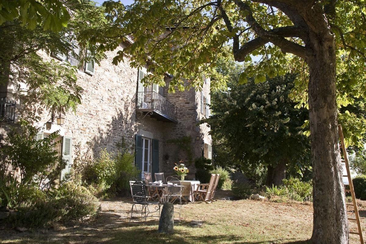 Chambre D Hotes De Charme Chateau De Riverie Ref 2316 A Riverie Rhone Chambre D Hote Chambre Hote Charme Locations Vacances