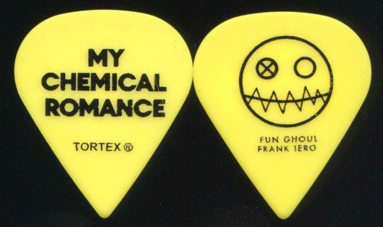 mcr frank iero guitar pick b my chemical romance emo punk metal guitar guitar. Black Bedroom Furniture Sets. Home Design Ideas