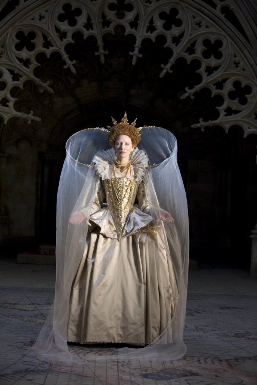Cate Blanchett as Elizabeth I, Gloriana, in Elizabeth: The Golden Age (2007).