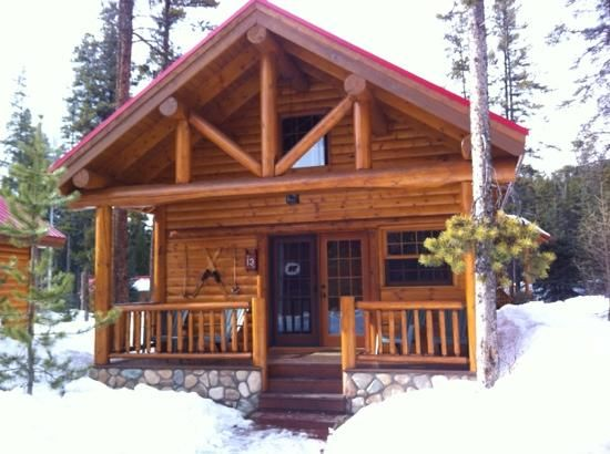 Charming One Bedroom Cabin With (550×410)