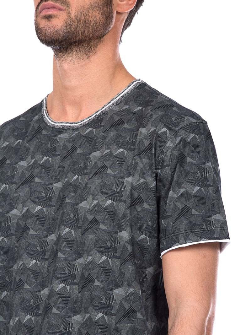 Hosio - geometric texture t-shirt - made in Italy - ZO ET LO EASY SHOPPING WORLDWIDE EXPRESS SHIPPING