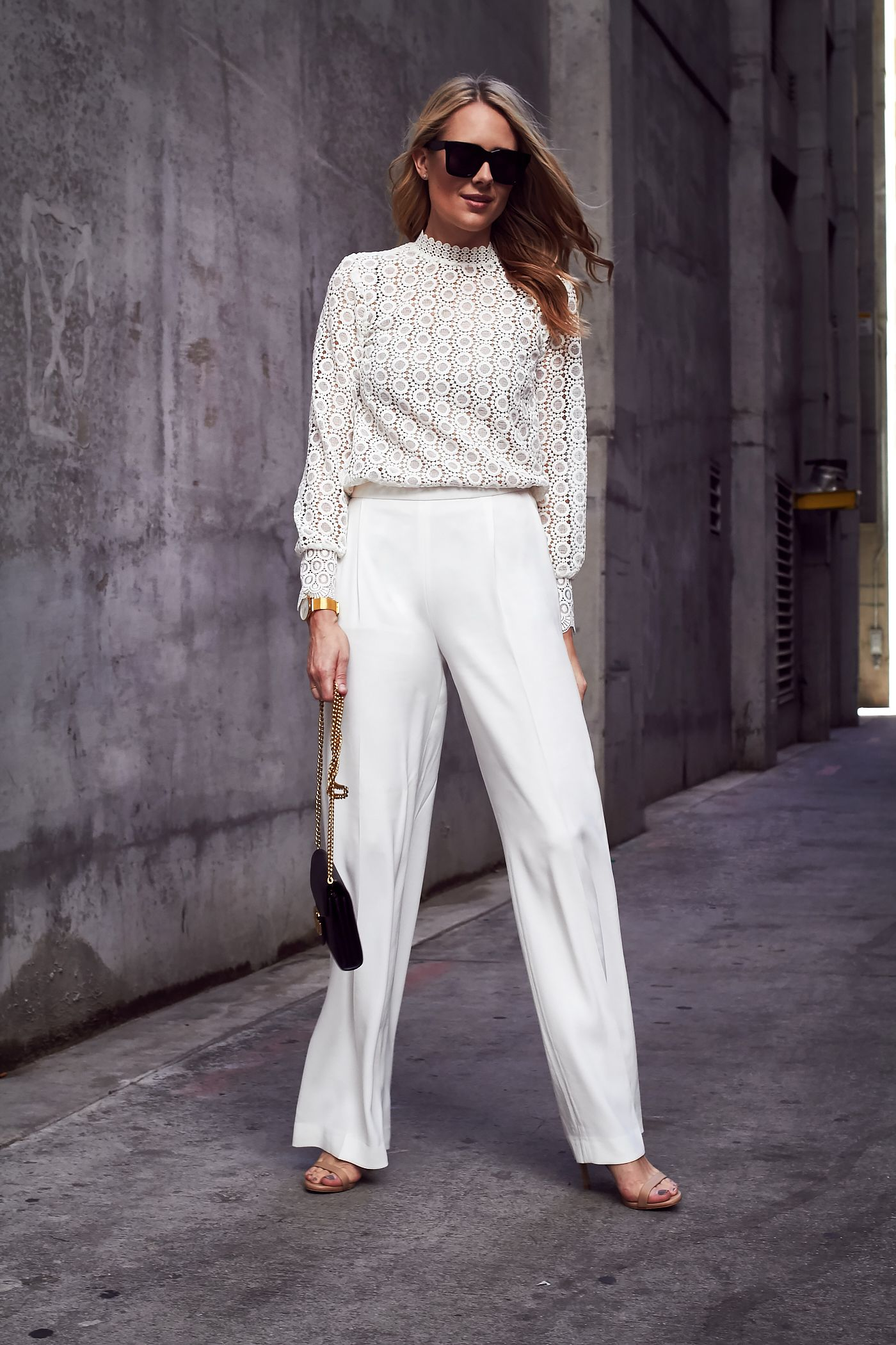 Looks - Pants leg wide in style for fall-winter video