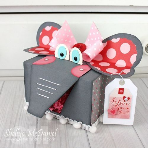 Craft It Monday: Valentine Treat Box With Shellye McDaniel!