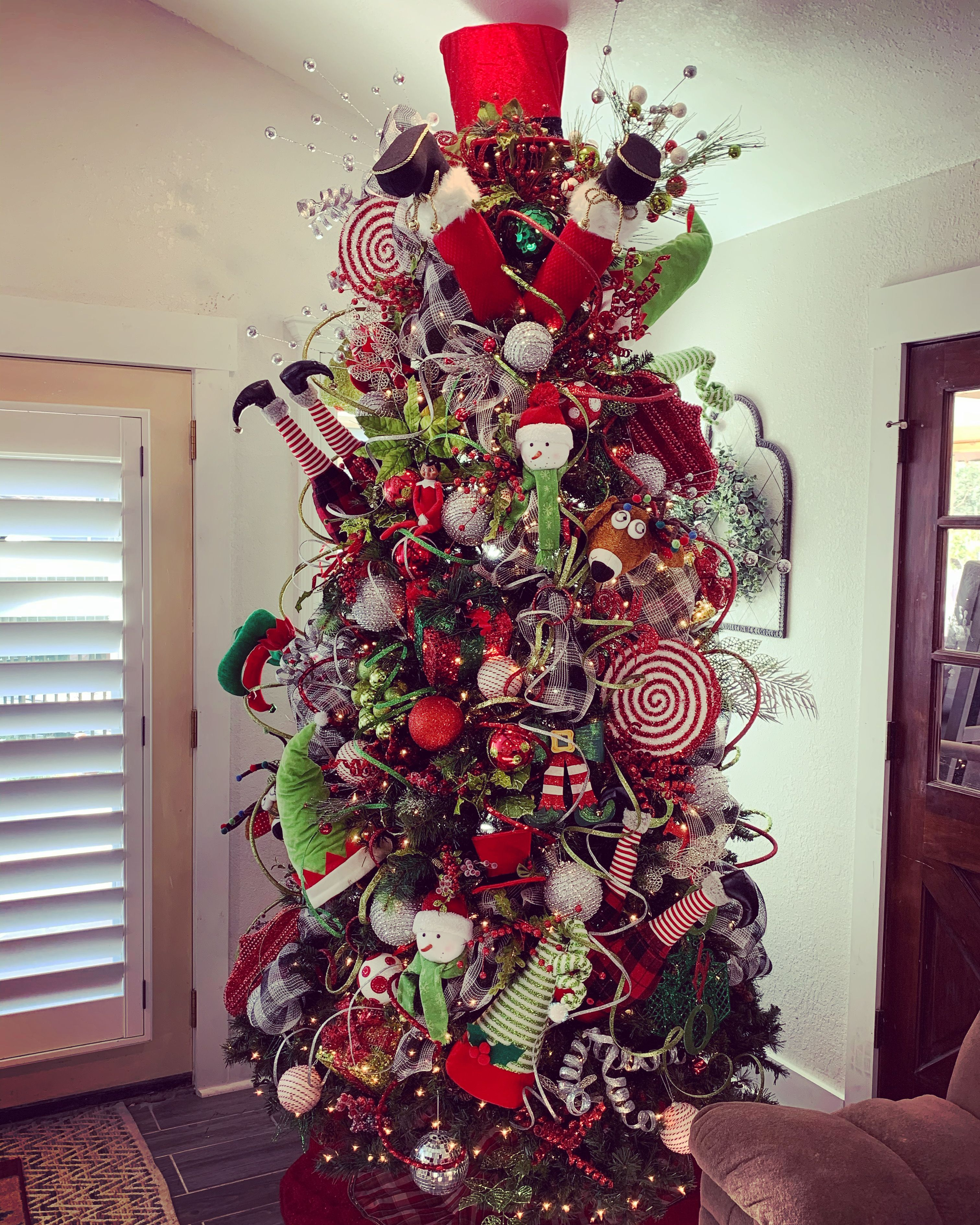 Santa Sleigh Crashed Into The Tree Fun Crazy Christmas Tree Shimmering Wired Ribbon Loomineb Cool Christmas Trees Christmas Tree Decorations Christmas Tree