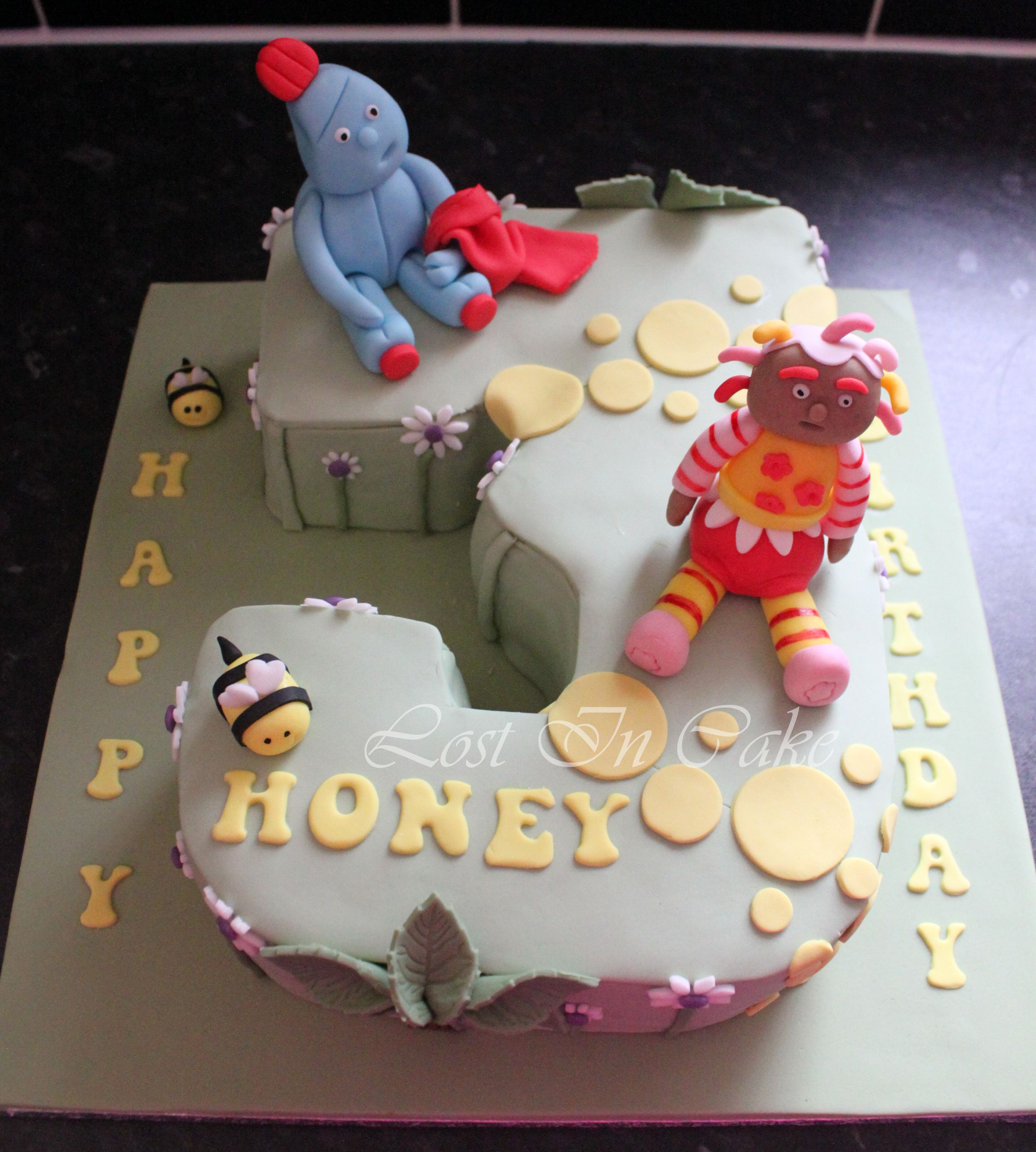 In The Night Garden Number 3 Shaped Cake