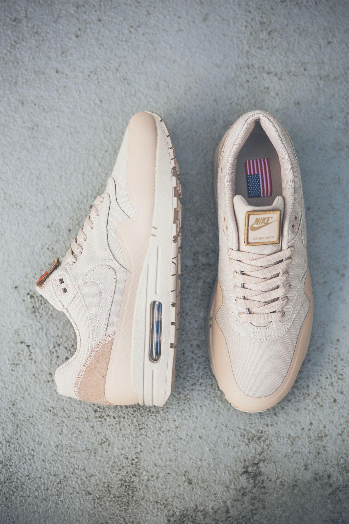 sale retailer e200c 4edd0 Nike Air Max 1 SP