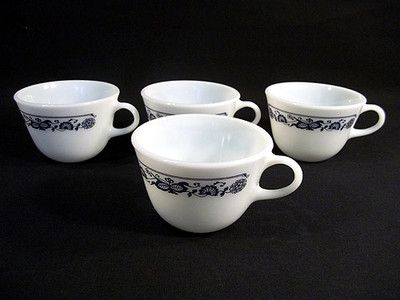 9 99 Set Of 4 Vintage Pyrex Coffee Tea Cups Old Town Blue Onion C Handle