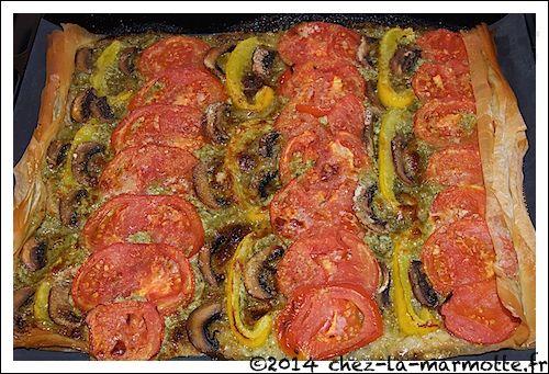 Tarte fine pesto et tomates