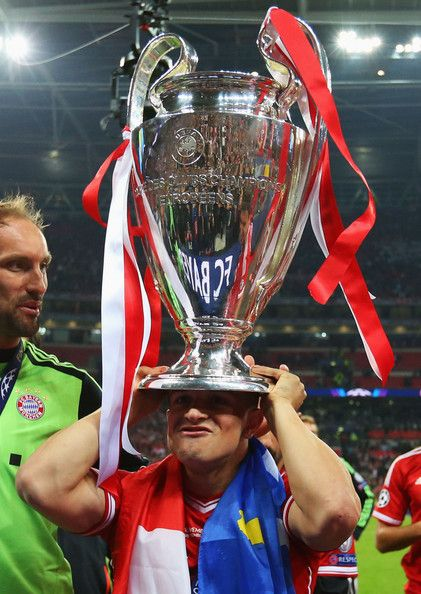 Xherdan Shaqiri Of Bayern Muenchen Holds The Trophy After Winning The Uefa Champions League Final Match Against Bor Bayern Uefa Champions League Club World Cup