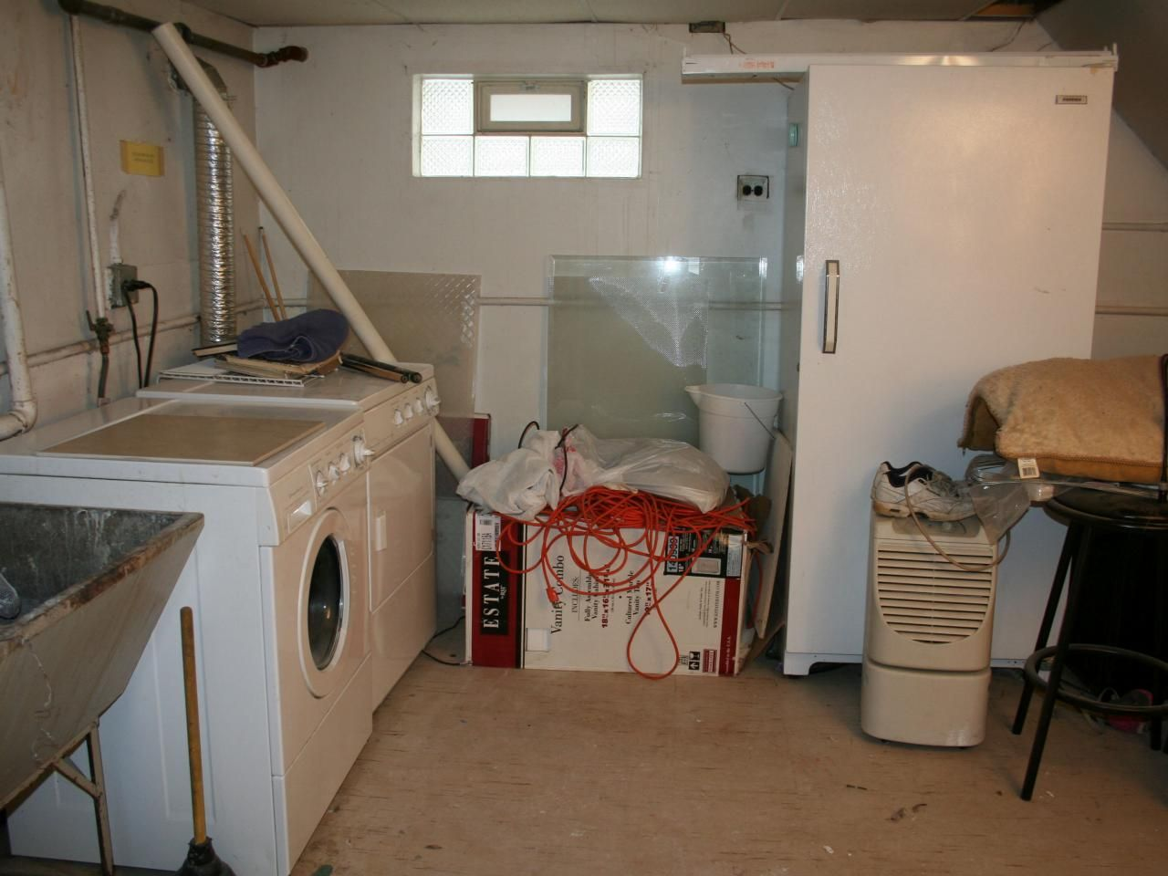 Charming 21 Best Basement Laundry Room Design Ideas For You