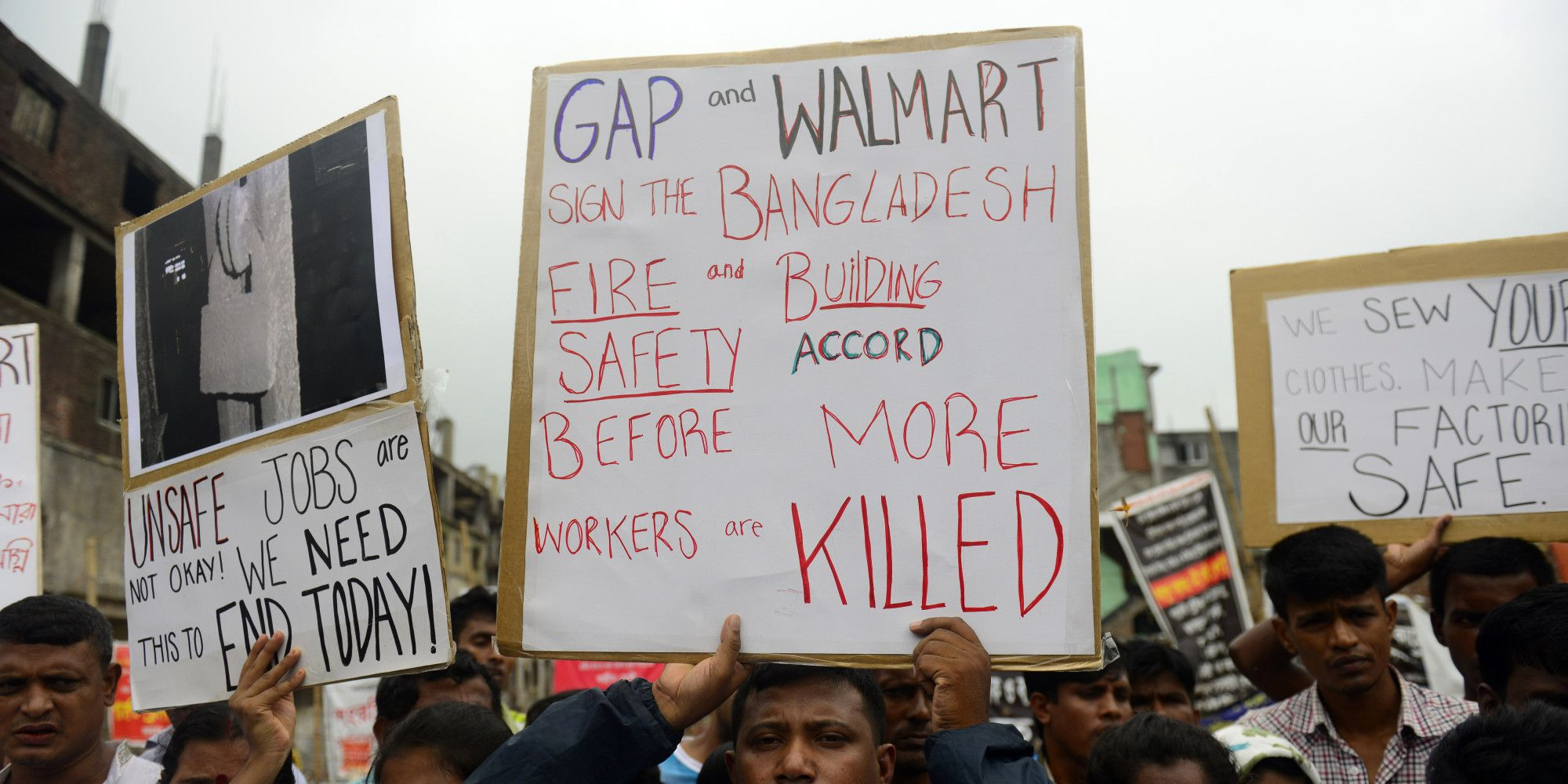 New York Ap Wal Mart Said About 10 Of More Than Six Dozen