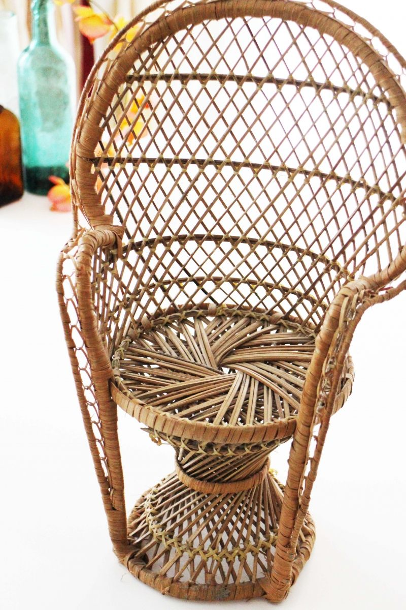 chaise emmanuelle en osier miniature vintage luckyfind - Chaise En Osier