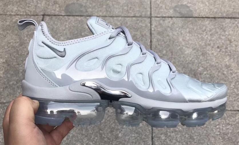 promo code 5a3ff 1edb9 nike shoes on in 2019   Sneakers   Sneakers nike, Nike air ...