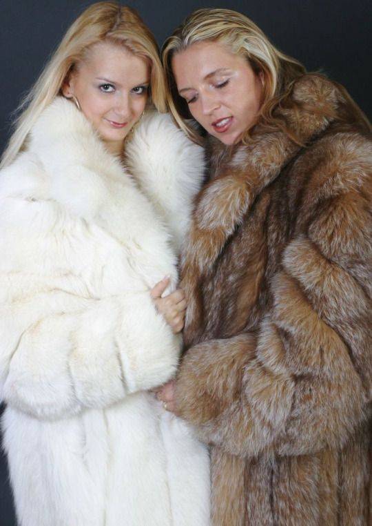Sarah And Tegan Nude