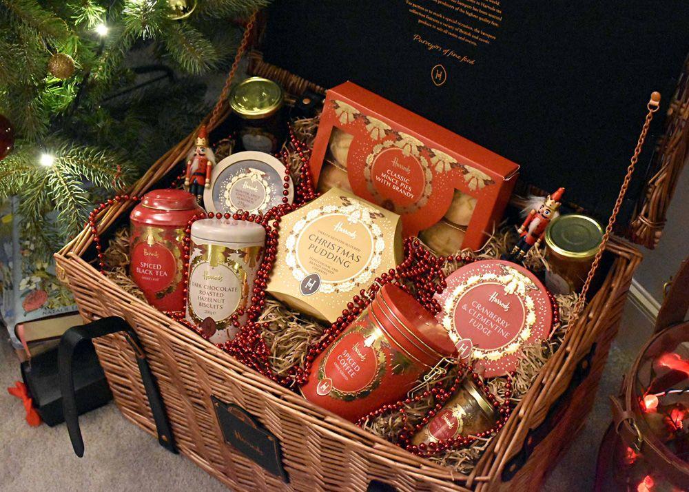 Wonderful Christmas Hampers Ideas Christmas Hamper Diy Christmas Hampers Xmas Hampers