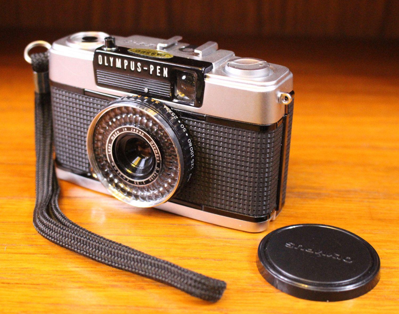 A Vintage Olympus Pen Camera , Good condition, very retro