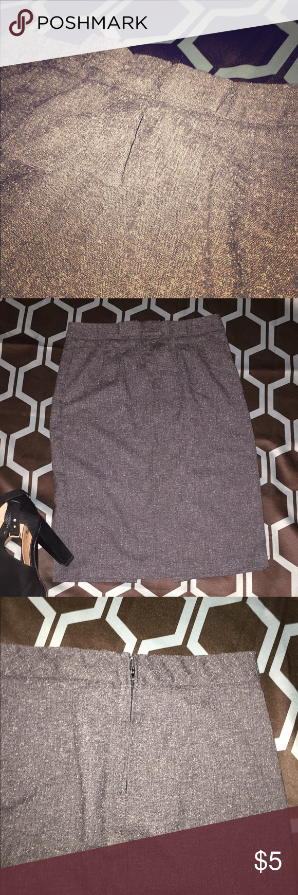 Forever21 pencil skirt Used tweed like grey pencil skirt slit in back, zip in back in good shape Forever 21 Skirts Midi