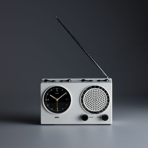 ✖ Dieter Rams,Braun clock radio(ABR 21 signal radio), 1978; design: Dieter Rams and Dietrich Lubs, photo: Koichi Okuwaki.