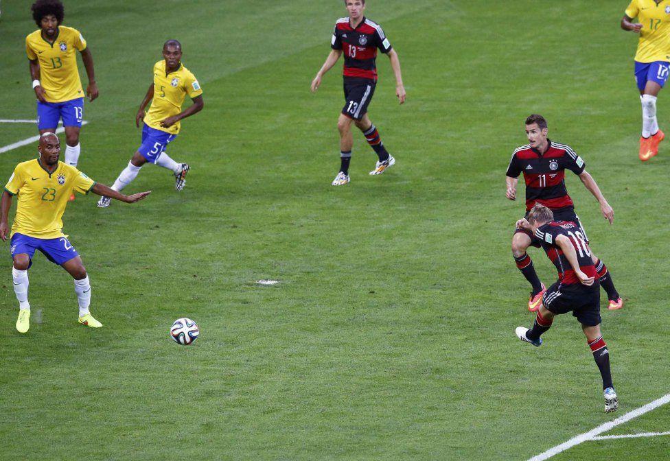 Gol de Toni Kroos, 0-3
