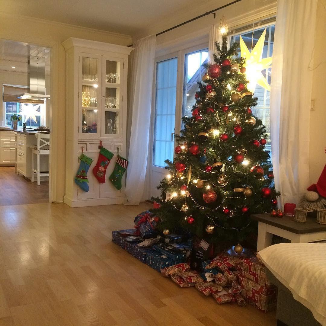 God jul  #merrychristmas #merryxmas #jul #godjul #interior #interiordesign #interiør #interiørmagasinet #interiørinspirasjon #inspi #inspo #inspohome by hjemmet_mitt