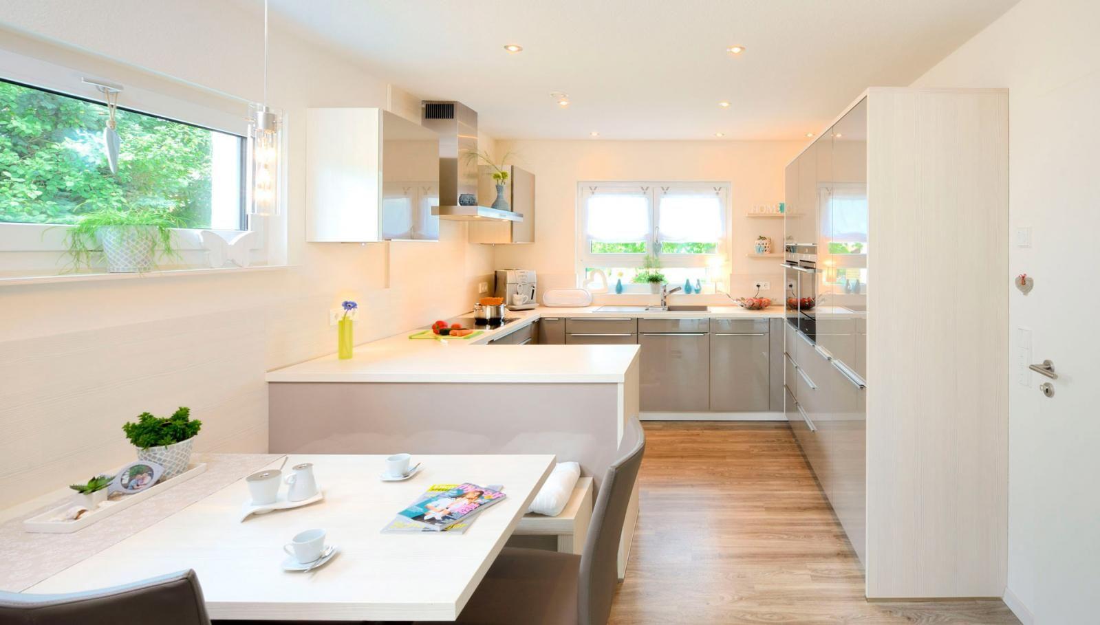 Küche mit Essplatz - Raum zum Lachen, Reden, Kochen, Hausaufgaben ...