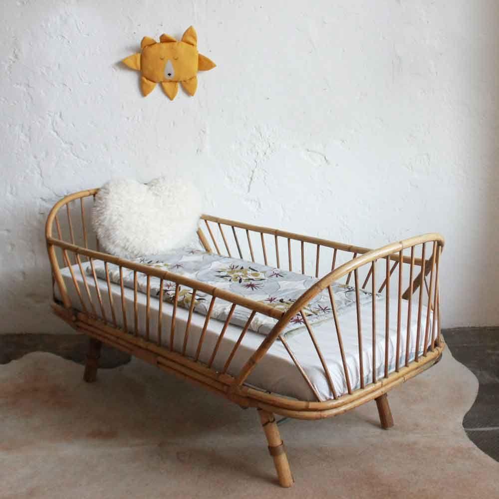 lit daybed enfant rotin vintage e664 chambre charlie pinterest habitaciones de beb s. Black Bedroom Furniture Sets. Home Design Ideas