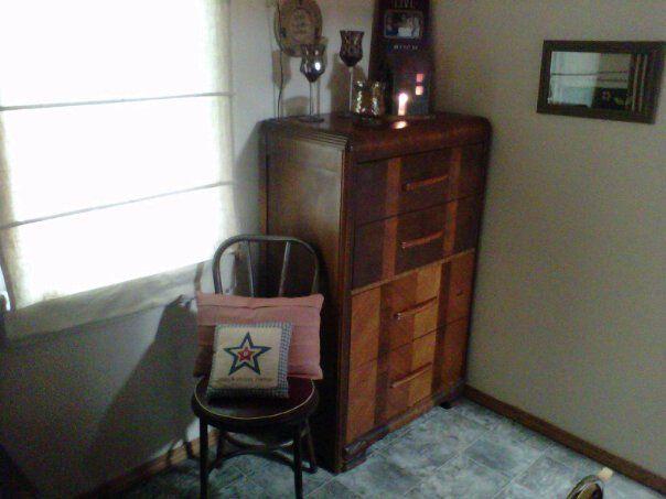 Primative decor in log cabin