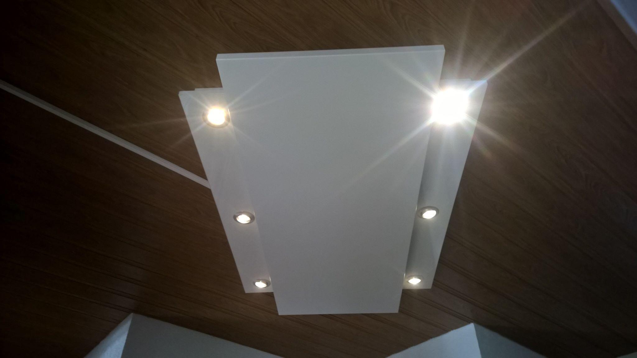 Die Perfekte Kombination Aus Infrarotheizung Und Beleuchtung In Einem Wunderschonen Lichtpaneel Led Spot Infr Infrarotheizung Beleuchtung Schlafzimmerfarbe
