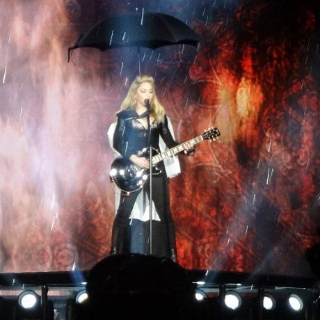 Singing in the rain - Yankee Stadium, New York. Madonna.