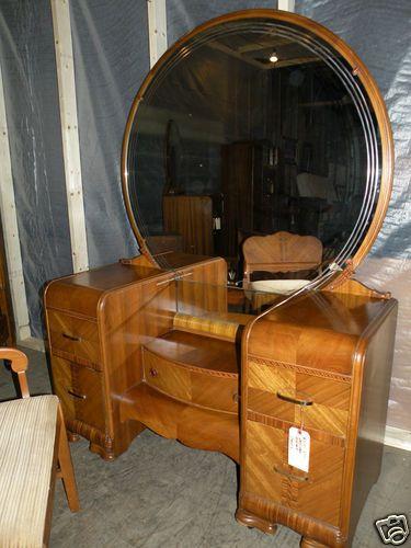 Beautiful Antique Art Deco Waterfall Furniture Bedroom Set Full