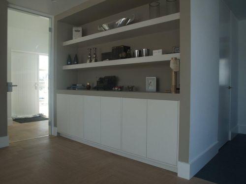VRI interieur wandkast modern landelijk wit met zand en brede ...