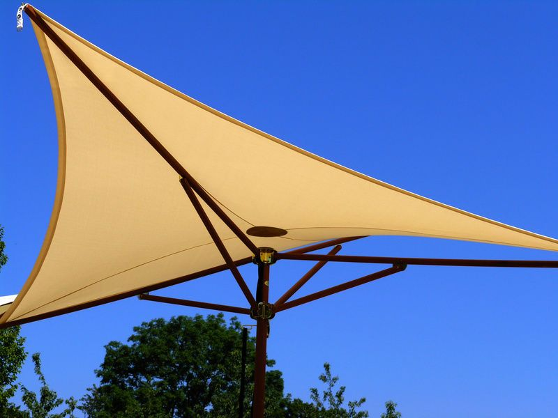 How To Install A Triangle Sun Shade Sail Pool Pinterest Sun