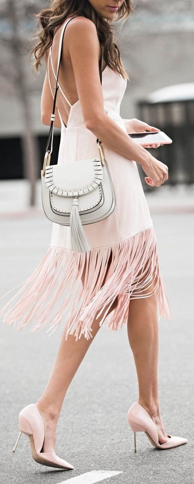 BLUSH SUEDE FRINGE DRESS | BLUSH BELTED TRENCH | PINK PUMPS || 3 Style Essentials Everyone Will Be Wearing This Spring || Hello Fashion #blush
