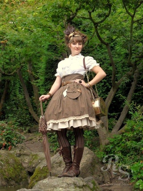 Steampunk Lolita @ Animagic  Skirt and underskirt are handmade by me  (you can also just reblog the picture from here http://rufflesandsteam.tumblr.com/post/34631960427/cogsandclocks-steampunk-lolita-by-ayraleona )