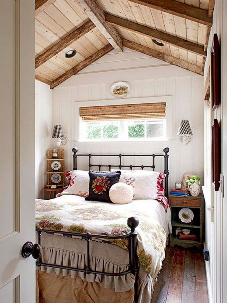 25 Comfy Wooden Cabin Bedroom Design Ideas For Summer