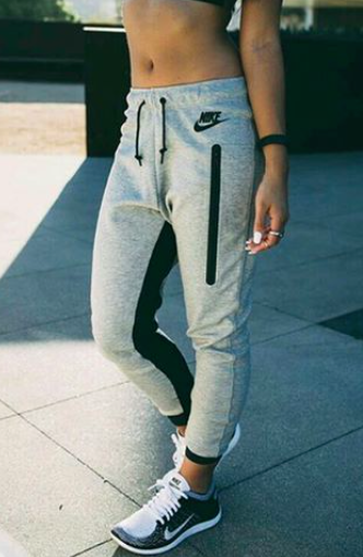 833ffabadb0f2 nike #fitspo More | Cute Workout Clothes | Sport outfits, Nike shoes ...