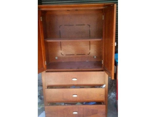 Wood TV Cabinet With 3 Drawers