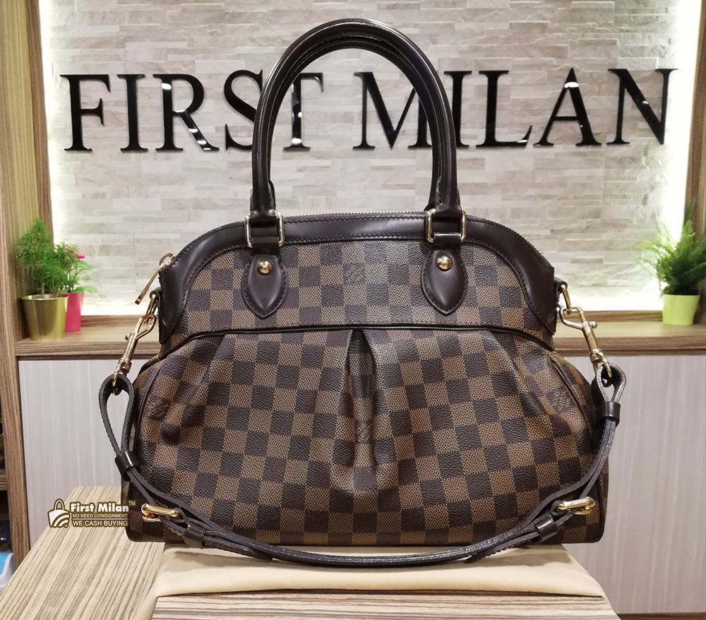 LOUIS VUITTON Damier Ebene Trevi PM Bag. Price RM4,580