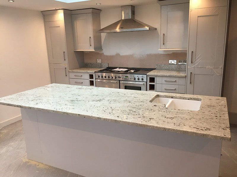 Best Colonial White Granite Countertops Pictures Cost Pros 400 x 300