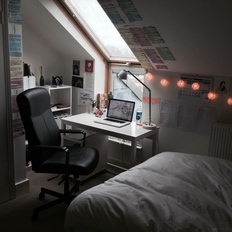 unburdenin g my study area makes me very happy school pinterest schlafzimmer haus und. Black Bedroom Furniture Sets. Home Design Ideas