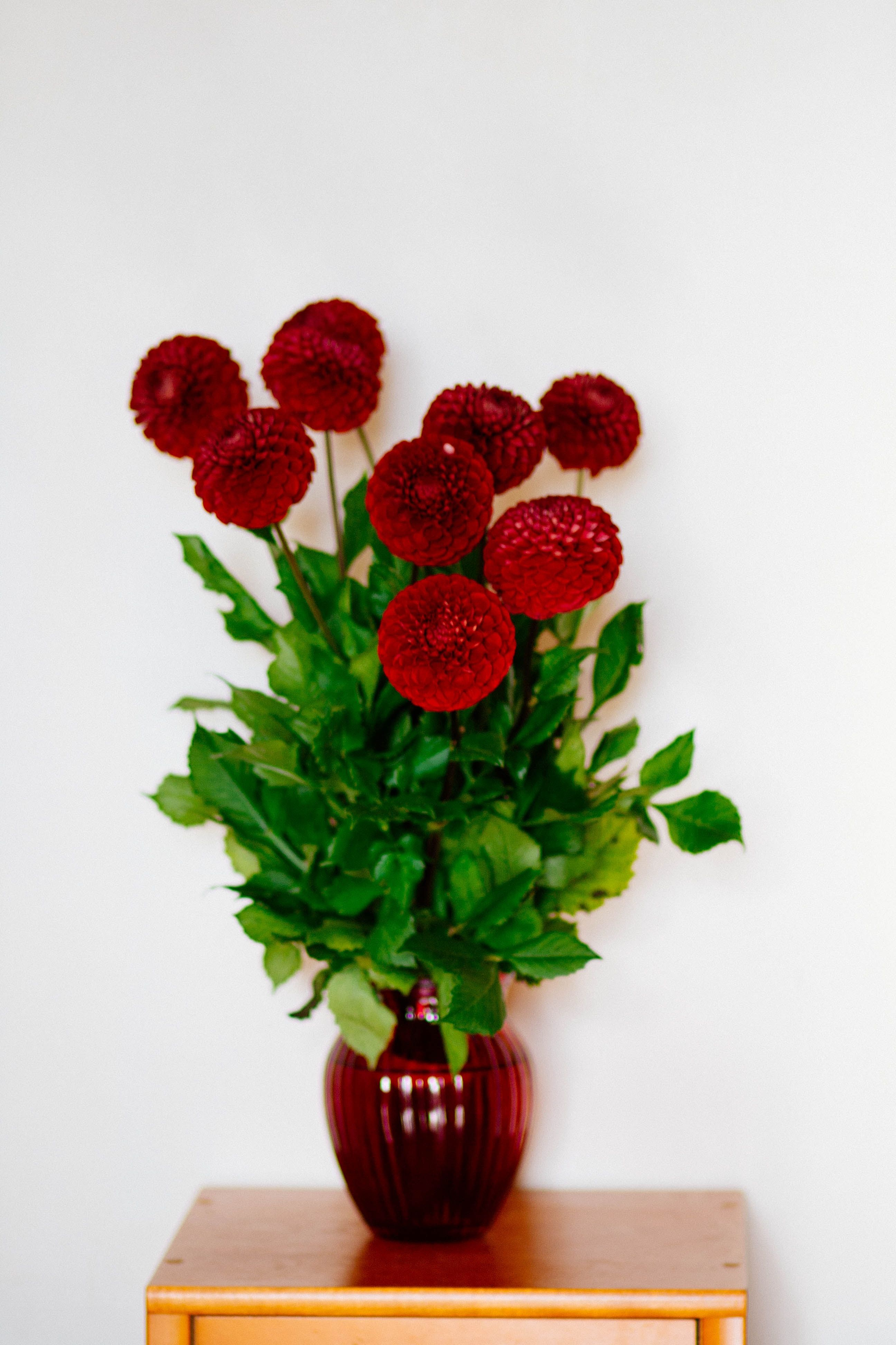 15 Flower Delivery Near Me Options Metal wall flowers