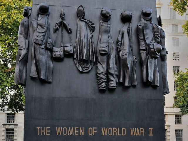 Monument to the Women of World War II by Waleed Almunayes «KWS», via Flickr