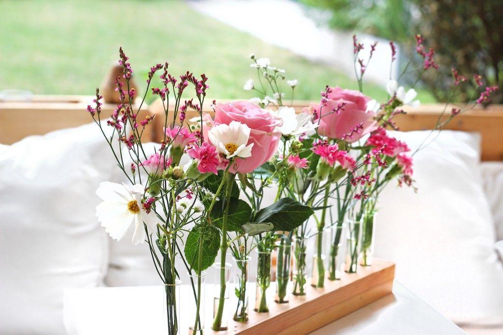 Blumendeko tischdeko sommer basteln pinterest flower for Sommer tischdeko