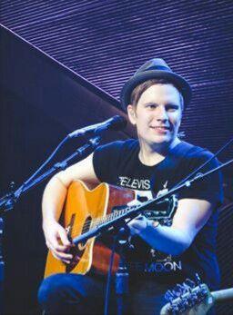 Patrick 💜 in 2019   Fall out boy songs, Patrick stump ...  Patrick Stump Cute 2013