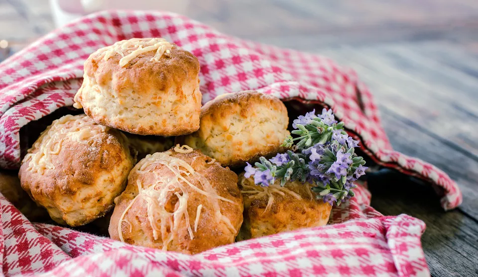 Easy And Impressive Classic Cheese Scones Recipe In 2020 Cheese Scones Cheese Scone Recipes British Cheese