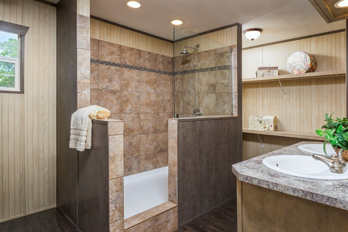 Photos ats all about the shower 22pro16763ah clayton for The veranda clayton homes